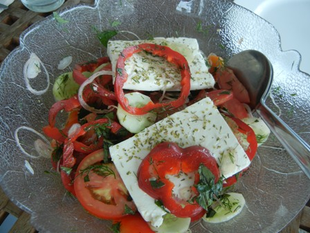 Light Greek lunch (1/5)